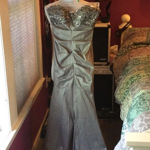 Adrianna Papell strapless Gown